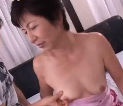 (ヒトヅマムービー)《超熟オバちゃん》幾つになっても肉欲が大好物で膣内内だしがお気に入り